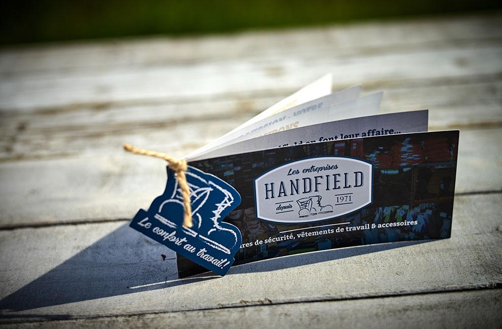 Brochure publicitaire pour les entreprises Handfield, graphiste
