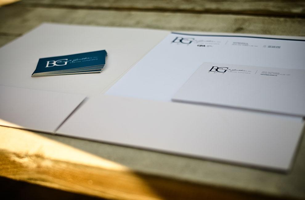 Branding pour Benoit Gauthier, papeterie, pochette corporative, entête de lettre et carte d'affaire