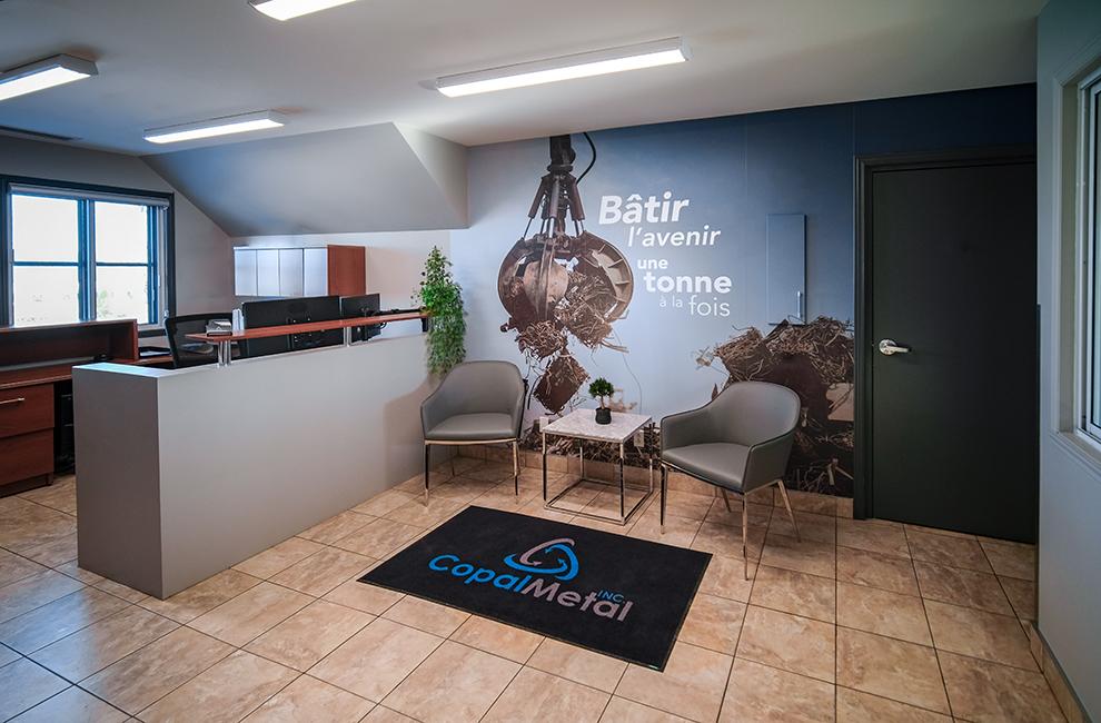 Habillage de bureau de Copal Metal, graphiste, impression grand format et installation