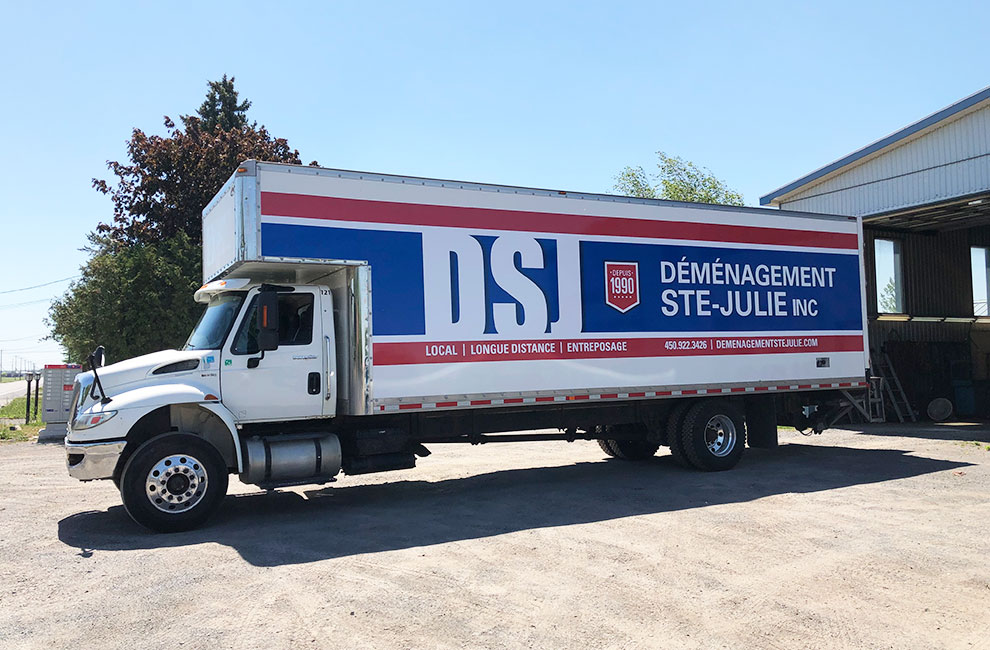 Wrap du camion DSJ déménagement ste-julie, graphiste, impression grand format et installation du wrapping