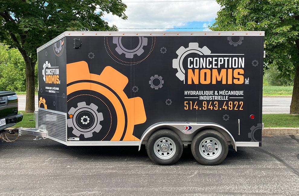 Wrapping de véhicule pour conception nomis, lettrage, wrap automobile, branding et graphisme