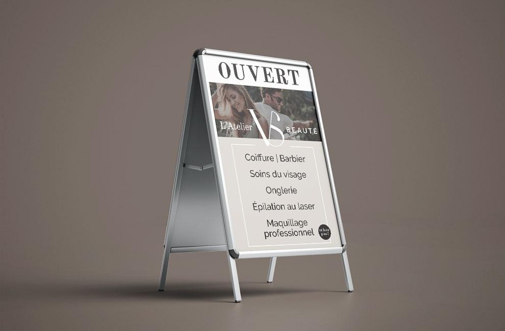 affiche exterieur pour l'atelier VS beauté, graphiste, impression grand format