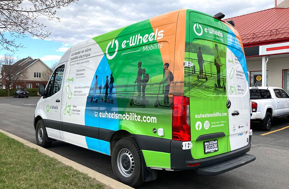 Wrapping de véhicule pour E-Wheels Mobilité, wrap automobile, graphisme, impression et installation